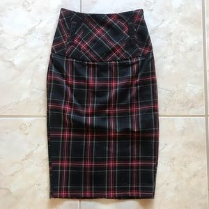 Forever 21 Plaid pencil skirt XS